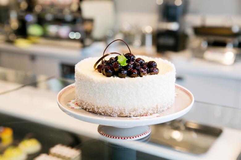 Eine der zahlreichen Kuchen und Torten in der Pâtisserie Isabella ©Isabella Glutenfreie Pâtisserie