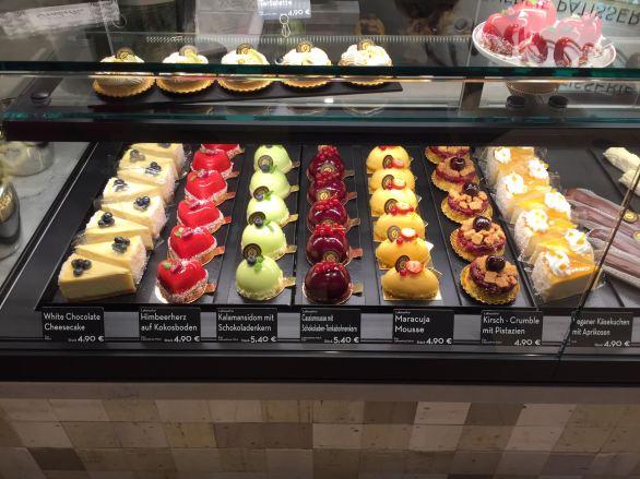 Ein Stück besser als das Andere. Süße ToGo Köstlichkeiten ©Isabella Glutenfreie Pâtisserie
