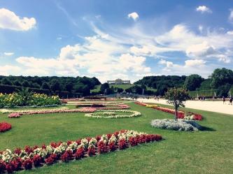 Blick in den Graten von Schloss Schönbrunn und auf die Gloriette. ©katrin-lars.net