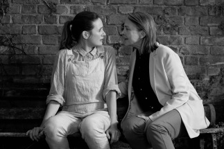 Emily Mortimer als Jenny und Cherry Jones als Martha © Nicola Dove Adventure Pictures Ltd.