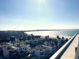 Der Ausblick auf Side und die Bucht von der Suite-Terrasse. © katrin-lars.net