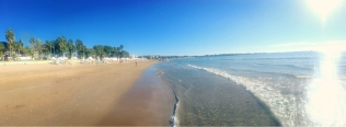 Super geeignet für lange Spaziergänge: der Strand von Side. © katrin-lars.net
