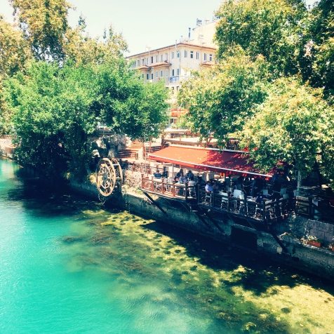Süßes Café direkt am Manavgat Fluss © katrin-lars.net