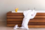 Exklusive private Badewanne auf der Terrasse der Penthouse Suite. © Barut Hotels