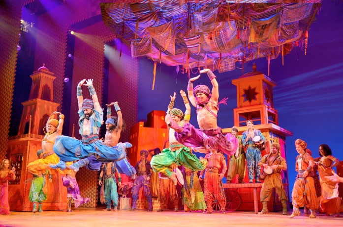 Aladdin - Marktplatz Szenenmotiv © Stage Entertainment 2017