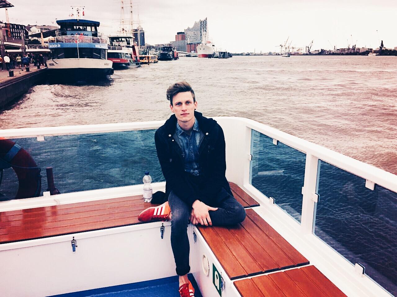 Must-have bei einem Hamburg-Besuch: eine Hafenrundfahrt. © katrin-lars.net
