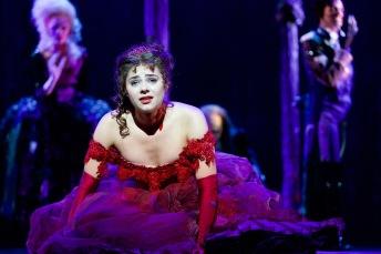 """""""Tanz der Vampire"""" Musical Berlin - Diana Schnierer als Sarah © STAGE ENTERTAINMENT GMBH 2018"""